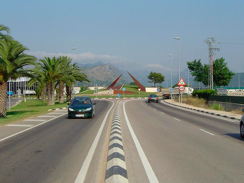 Rotonda-acceso-a-Alzira